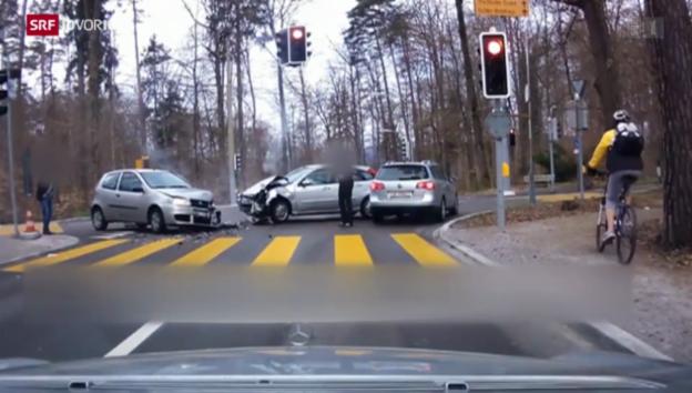 Video «Kameras im Auto» abspielen