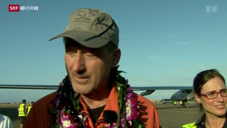 Pilot André Borschberg nach der Landung