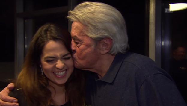 Video «Anouchka und Alain Delon über ihr Vater-Tochter-Verhältnis» abspielen