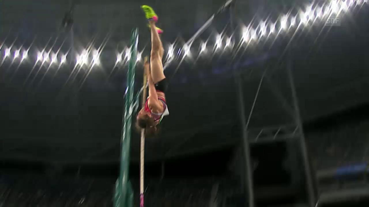 Nicole Büchler meistert die 4,70 im 1. Anlauf