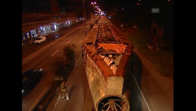 Video «Das U-Boot kommt ins Verkehrshaus - 04.11.2005 Schwiez aktuell» abspielen
