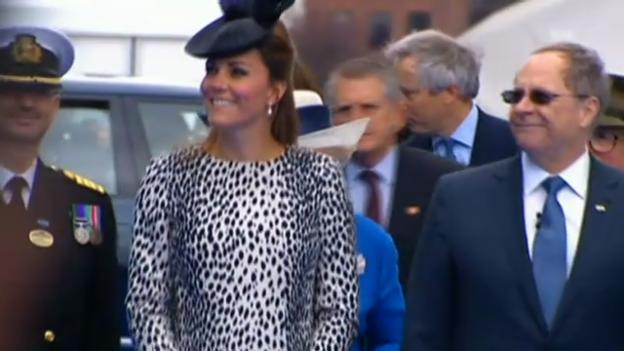 Video «Herzogin Catherine tauft ein Kreuzfahrtschiff» abspielen