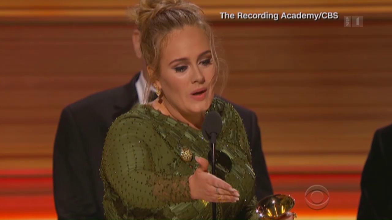 Adele räumt bei den Grammys ab