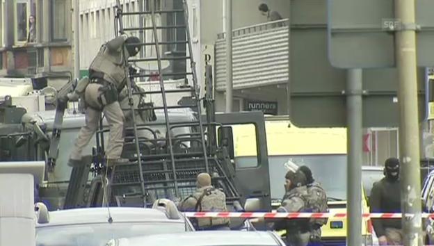 Video «Belgien: Polizei führt Täter ab» abspielen
