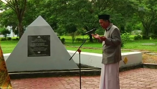 Video «Gedenkfeier in Indonesien» abspielen