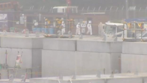 Video «Fukushima: Arbeiter dichten das Leck ab» abspielen