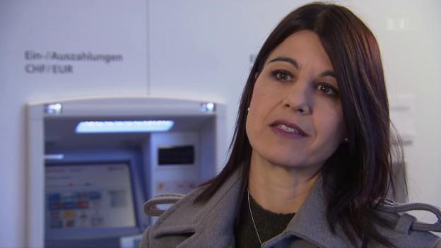 Video «Kaputter Bancomat: Bankkundin soll für Reparatur bezahlen» abspielen
