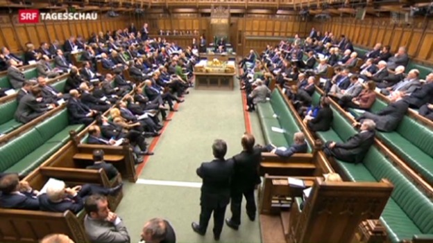 Video «Verkehrte Welt im britischen Parlament» abspielen