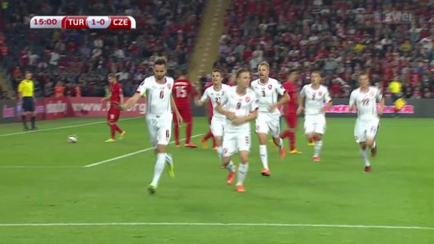Video «Fussball: EM-Quali, Türkei - Tschechien» abspielen