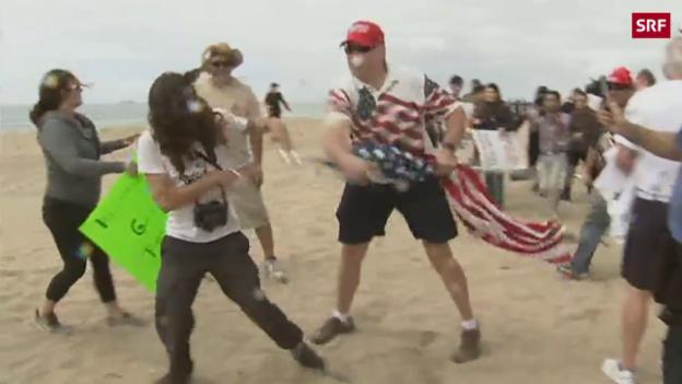 Video Trump-Fans prügeln sich mit Gegnern abspielen.