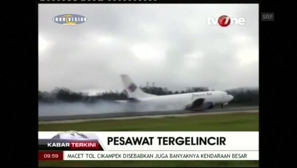Spektakuläre Bruchlandung in Indonesien