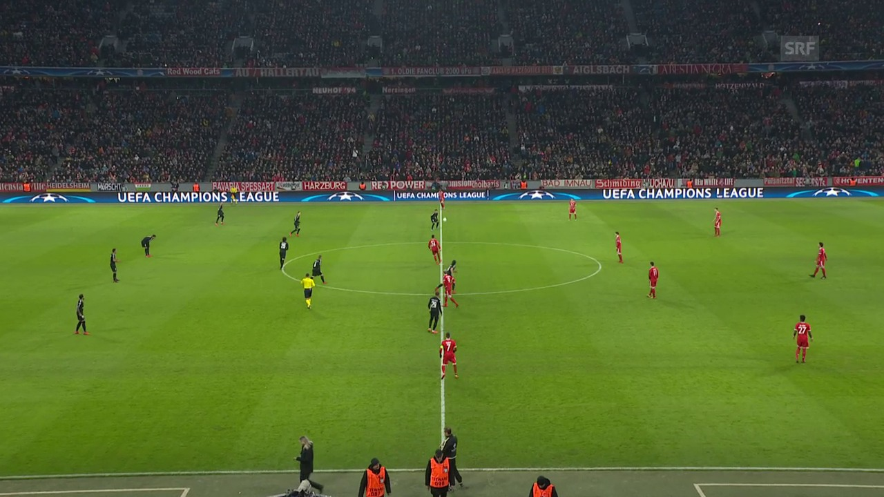 Kurios: Das Anspiel von Bayerns Tolisso landet beim Gegner