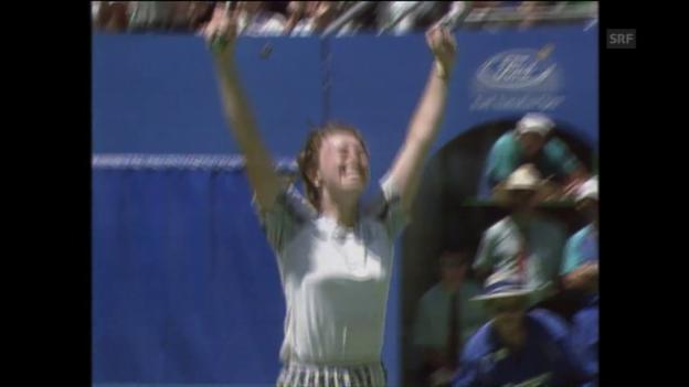 Video «Vor 20 Jahren: Hingis schlägt Pierce» abspielen