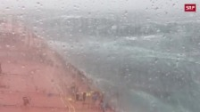 Link öffnet eine Lightbox. Video Tanker kämpft gegen Hurrikan «Ophelia» abspielen