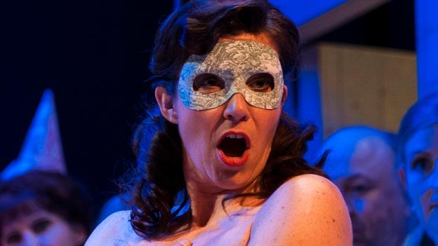 Dramaturgin Julia Eberwein über «Die Fledermaus» (13.11.2013)