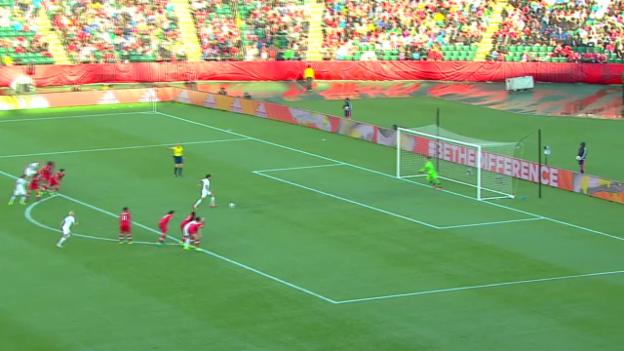 Video «Fussball: Frauen-WM, Spielbericht Kanada - Neuseeland» abspielen