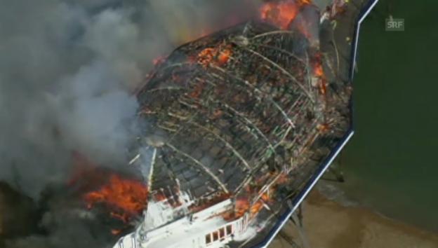 Video «Feuer auf historischem Pier» abspielen