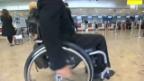 Video «07.09.2010: Rollstuhlfahrer-Schikane: Alleine fliegen verboten» abspielen
