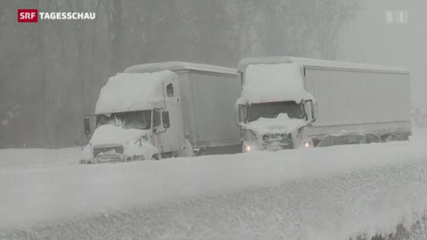 Video «US-Ostküste versinkt im Schnee» abspielen