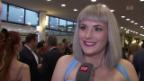 Video «Ernste, lustige und glamouröse Momente auf dem roten Teppich» abspielen