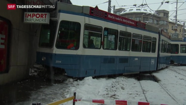 Video «Tram in Zürich entgleist» abspielen