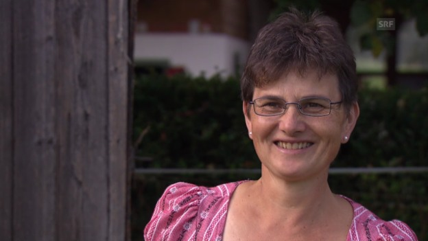 Video ««SRF bi de Lüt – Landfrauenküche»: Vrenis Lockrufe» abspielen