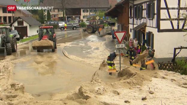 Video «Tagesschau Nacht: Regen und Hagel in der Schweiz» abspielen