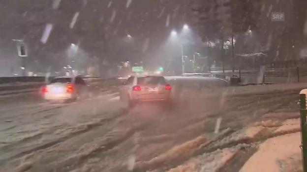 Video «Ungewohnt heftiger Schneefall in Santiago» abspielen