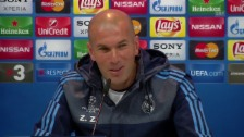 Video «Zidane über die Kritik an Cristiano Ronaldo (spanisch)» abspielen