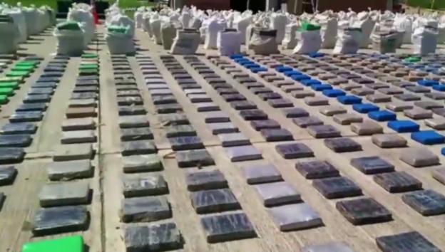 Video «Schlag gegen Verbrechersyndikat «Los Urabeños»» abspielen