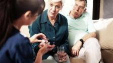 Link öffnet eine Lightbox. Video Psychiatrie zuhause, Borreliose, Seniorenzähne, Augenkrebs abspielen