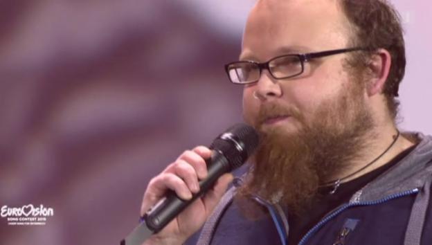 Video «ESC-Eklat: Andreas Kümmert kümmert sich keinen Deut um Sieg» abspielen