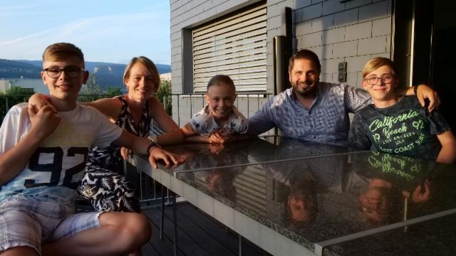 «Fragen, Anschuldigungen, Vorwürfe: Eine Familie im Corona-Strudel»