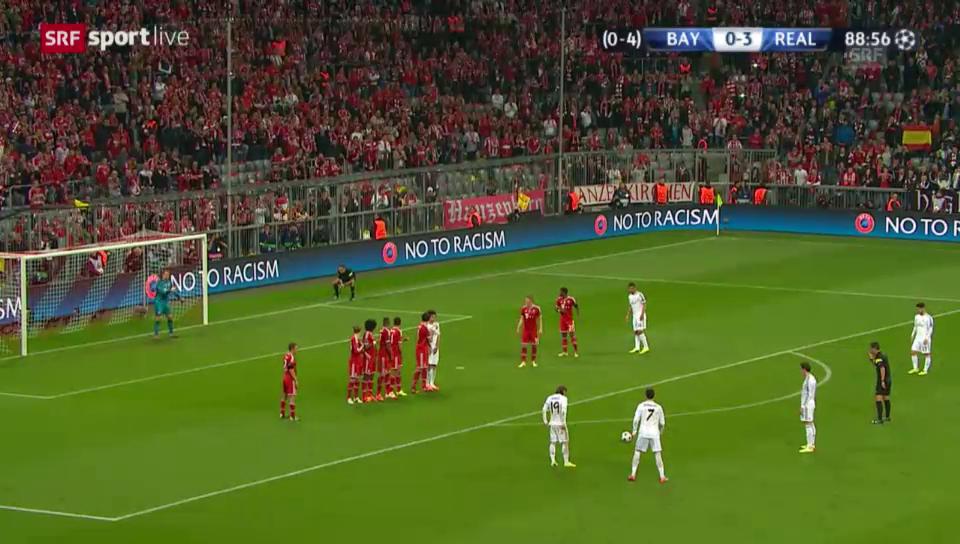 Fussball: Ronaldos Freistosstor gegen Bayern München