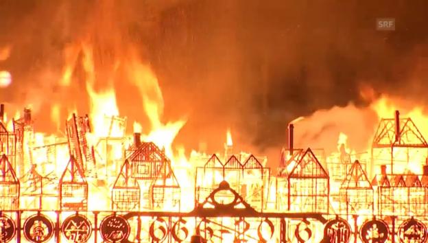 Video «Feuerspektakel in der Themse» abspielen