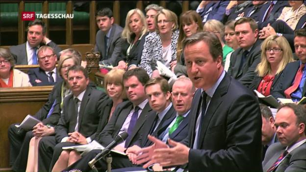 Video «Cameron verteidigt sich im Unterhaus» abspielen