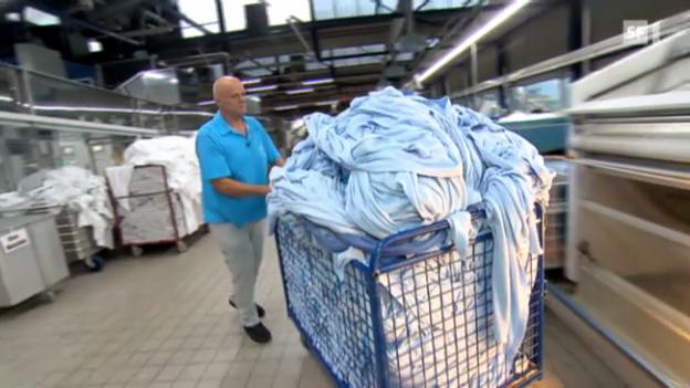 Video «Hochmoderne Wäscherei in der Schweiz» abspielen