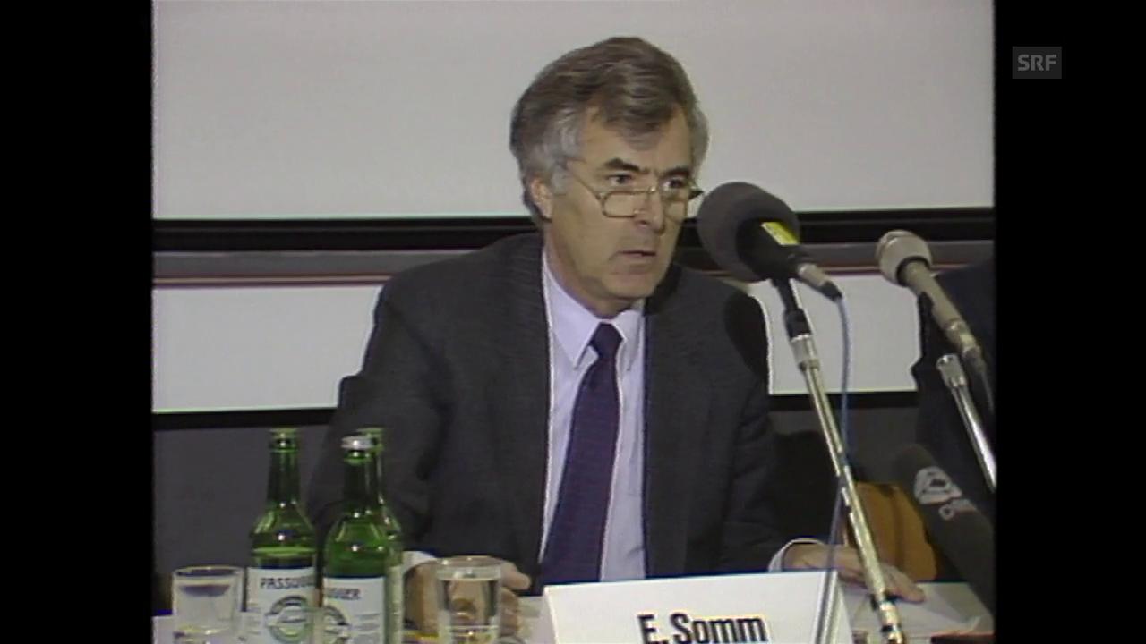 Edwin Somm gibt Entlassung von 1700 Angestellten bekannt (1988)