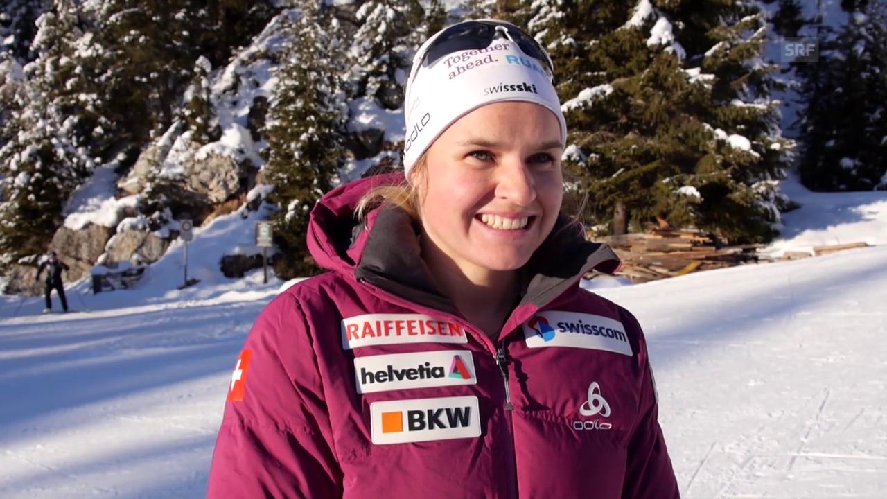Irene Cadurisch und Aita Gasparin analysieren ihre Leistungen beim Sprint in Antholz