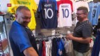 Video «Beliebte Fussballtrikots» abspielen