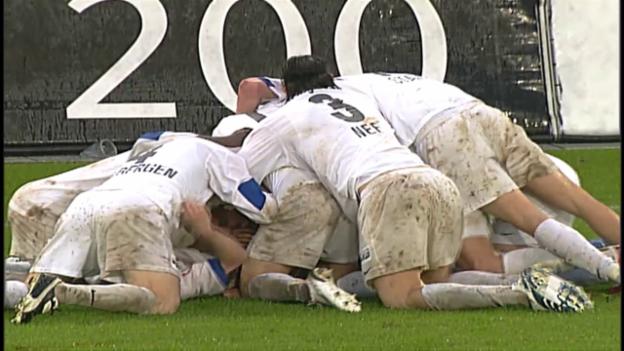Video «Unvergessen: Filipescu schiesst den FCZ 2006 in der 93. Minute zum Meistertitel» abspielen