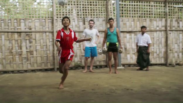 Video «Lukas Wassmann – Zusammenspiel in Mandalay» abspielen