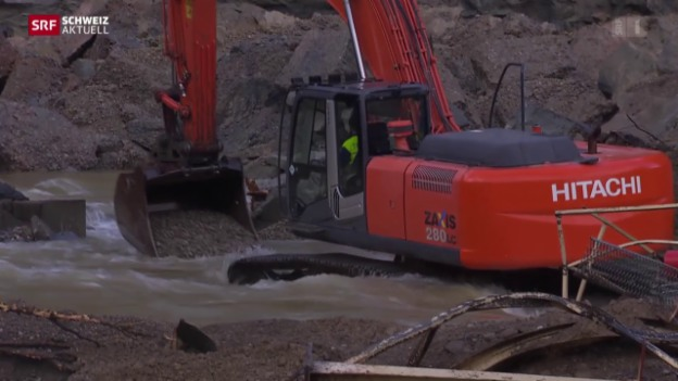 Video «Überschwemmung nach Felssturz» abspielen