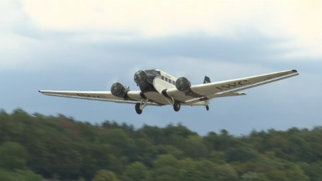 Link öffnet eine Lightbox. Video Ju-52: Erster Start nach dem Unglück abspielen