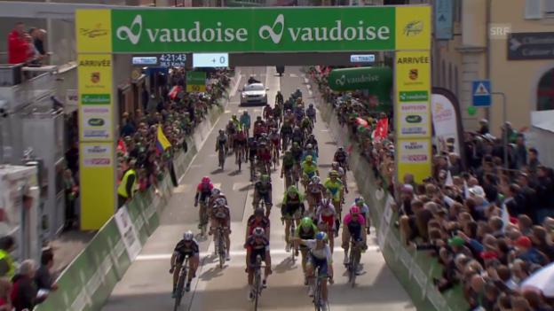 Video «Rad: Tour de Romandie 2015, 2. Etappe, Zieleinfahrt» abspielen