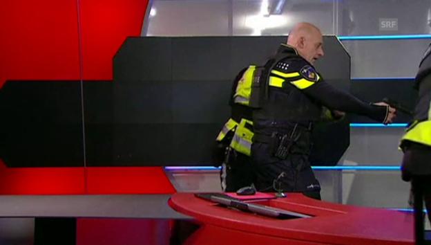 Video «Polizei stürmt TV-Studio in Hilversum» abspielen