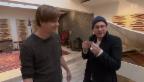 Video ««Simsalabim»: Zauberer Florian Klein verblüfft Baschi» abspielen