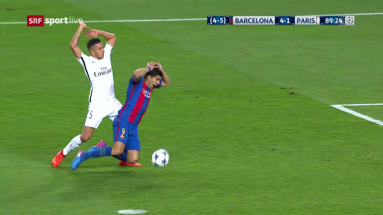 Suarez fällt im Strafraum und kriegt den Penalty