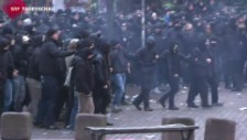 Video «Massive Ausschreitungen in Hamburg» abspielen