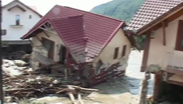 Video «Hochwasser in Rumänien» abspielen